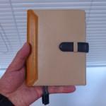 ほぼ日手帳ユーザーのみなさん、自分だけの手帳をカスタマイズしてみてはいかが?iPhoneウォレットも自分だけのオリジナルであの人へ贈る。